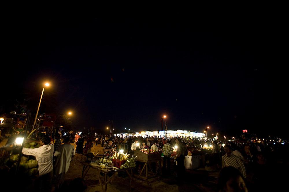 A nght scene at the Juhu beach area of Mumbai, India, March 29, 2008. Prashanth Vishwanathan\ATLAS PRESS