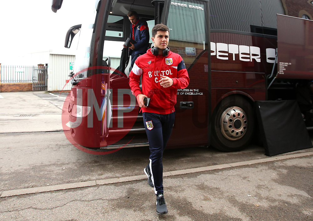Liam Walsh of Bristol City arrives at Barnsley - Mandatory by-line: Robbie Stephenson/JMP - 30/03/2018 - FOOTBALL - Oakwell Stadium - Barnsley, England - Barnsley v Bristol City - Sky Bet Championship