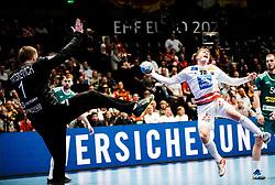 22.01.2020, Wiener Stadthalle, Wien, AUT, EHF Euro 2020, Oesterreich vs Weissrussland, Hauptrunde, Gruppe I, im Bild v. l. Ivan Matskevich (BLR), Lukas Hutecek (AUT) // f. l. Ivan Matskevich (BLR) Lukas Hutecek (AUT) during the EHF 2020 European Handball Championship, main round group I match between Austria and Belarus at the Wiener Stadthalle in Wien, Austria on 2020/01/22. EXPA Pictures © 2020, PhotoCredit: EXPA/ Florian Schroetter