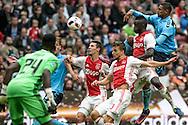 02-10-2016: Voetbal: Ajax v FC Utrecht: Amsterdam<br /> <br /> (L-R) Drukt voor het doel van Ajax keeper Andre Onana tijdens het Eredivsie duel tussen Ajax en FC Utrecht op 2 oktober 2016 in stadion Arena in Amsterdam tijdens speelronde 8<br /> <br /> Eredivisie - Seizoen 2016 / 2017<br /> <br /> Foto: Gertjan Kooij
