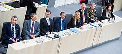 20.12.2017, Hofburg, Wien, AUT, Parlament, Nationalratssitzung, Sitzung des Nationalrates beginnend mit Wahl der neuen Präsidiumsmitglieder und Erklärung der neu angelobten Türkis-Blauen Regierung, im Bild Bundesminister für Verkehr, Innovation und Technologie Norbert Hofer (FPÖ), Finanzminister Hartwig Löger (ÖVP), Kanzleramtsminister Gernot Blümel (ÖVP), Innenminister Herbert Kickl (FPÖ), Familien- und Jugendministerin Juliane Bogner-Strauß (ÖVP), Justizminister Josef Moser (ÖVP), Gesundheits- und Frauenministerin, Ministerin für Arbeit Soziales und Konsumentenschutz Beate Hartinger (FPÖ) und Staatssekretärin im Innenministerium Karoline Edtstadler (ÖVP) // Austrian Minister for Transport, Innovation and Technology Norbert Hofer, Austrian Minister for Finance Hartwig Loeger, Austrian minister of chancellary Gernot Bluemel, Austrian Minister for the Interior Herbert Kickl, Austrianminister for family affairs Juliane Bogner-Strauss, Austrian Minister for Justice Josef Moser, Austrian Minister for Health and Women's Affairs Beate Hartinger and Austrian State Secretary of the Interior Ministry Karoline Edstadler during meeting of the National Council of austria at Hofburg palace in Vienna, Austria on 2017/12/20, EXPA Pictures © 2017, PhotoCredit: EXPA/ Michael Gruber