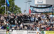 FC Helsingør fans under kampen i NordicBet Ligaen mellem FC Helsingør og Lyngby Boldklub den 25. maj 2019 på Helsingør Stadion. (Foto: Claus Birch / ClausBirchDK Sportsfoto).