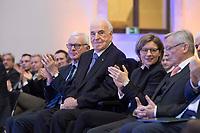 19 DEC 2014, DRESDEN/GERMANY:<br /> Hans-Gerd Poettering (L), CDU, Vorsitzender der Konrad-Adenauer-Stiftungm Helmut Kohl (M), CDU, Bundeskanzler a.D., und Maike Richter-Kohl (R), Ehefrau von Helmut Kohl, Veranstaltung der Konrad-Adenauer-Stiftung am 25. Jahrestag der Rede von Helmut Kohl vor der Ruine der Frauenkirche, Albertinum<br /> IMAGE: 20141219-01-121<br /> KEYWORDS: Frau, Gattin, wife, Applaus, applaudieren, klatschen, Hans-Gerd P&ouml;ttering
