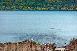 THEMENBILD - Teilansicht der Ruine der Felsenburg Urquhart Castle mit Loch Ness und dem gegenüberliegenden Ufer, Drumnadrochit, Schottland, aufgenommen am 05.06.2015 // Partial view of the ruins of Urquhart Castle with Loch Ness and the opposite shore, Drumnadrochit, Scotland on 2015/06/05. EXPA Pictures © 2015, PhotoCredit: EXPA/ JFK