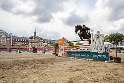 BITTER Eva (GER), ARGELITH PRIEURE<br /> Münster - Turnier der Sieger 2019<br /> Preis des EINRICHTUNGSHAUS OSTERMANN, WITTEN<br /> CSI4* - Int. Jumping competition  (1.45 m) - <br /> 1. Qualifikation Mittlere Tour<br /> Medium Tour<br /> 02. August 2019<br /> © www.sportfotos-lafrentz.de/Stefan Lafrentz