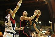 DESCRIZIONE : Lodi Lega A2 2009-10 Campionato UCC Casalpusterlengo - Riviera Solare RN<br /> GIOCATORE : Carlton Myers<br /> SQUADRA : Riviera Solare RN<br /> EVENTO : Campionato Lega A2 2009-2010<br /> GARA : UCC Casalpusterlengo Riviera Solare RN<br /> DATA : 14/03/2010<br /> CATEGORIA : Tiro<br /> SPORT : Pallacanestro <br /> AUTORE : Agenzia Ciamillo-Castoria/D.Pescosolido