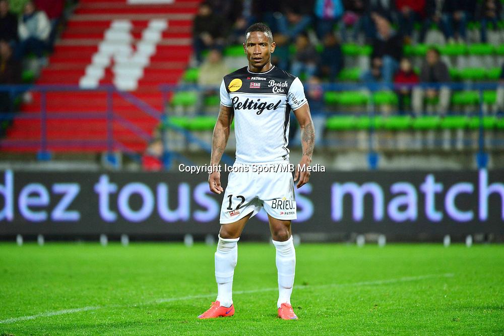 Claudio BEAUVUE - 25.04.2015 - Caen / Guingamp - 34eme journee de Ligue 1<br /> Photo : David Winter / Icon Sport