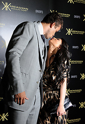 Kris Humphries and Kim Kardashian attend the Kardashian Kollection Launch Party at The Colony in Los Angeles, CA, USA on August 17, 2011. Photo by Lionel Hahn/ABACAPRESS.COM  Humphries Kris Kardashian Kim Kardashian Kimberly S'embrasser Embrasser Bisous Bisou Baiser Embrasse Baisers Kiss Petit-copain Petit-amie Petit-ami Petit amie Petit ami Fiancee Fiance Ehemann Husband Wife Ehefrau Epoux Epouse Femme Mari Amoureux Compagne Compagnon Companion Couple Couple Girlfriend Promotion Publicite Advertising Ad Soiree Party Calins Calin Se tenir dans les bras Faire un câlin Tendresse Tenir dans les bras Se prendre dans les bras Prendre dans les bras Tenderness Hug Los Angeles USA United States of America Vereinigte Staaten von Amerika Etats-Unis Etats Unis Dash Kardashian Kollection  | 286318_006 Los Angeles Unitd Etats-Unis United States