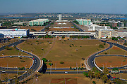 Brasilia_DF, Brasil..Vista aerea do complexo arquitetonico de Brasilia, Distrito Federal...Aerial view of the architectural complex of Brasilia, Distrito Federal...Foto: JOAO MARCOS ROSA / NITRO