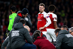 Aaron Ramsey of Arsenal looks concerned for Danny Welbeck of Arsenal after the striker picks up an injury - Mandatory by-line: Robbie Stephenson/JMP - 08/11/2018 - FOOTBALL - Emirates Stadium - London, England - Arsenal v Sporting Lisbon - UEFA Europa League