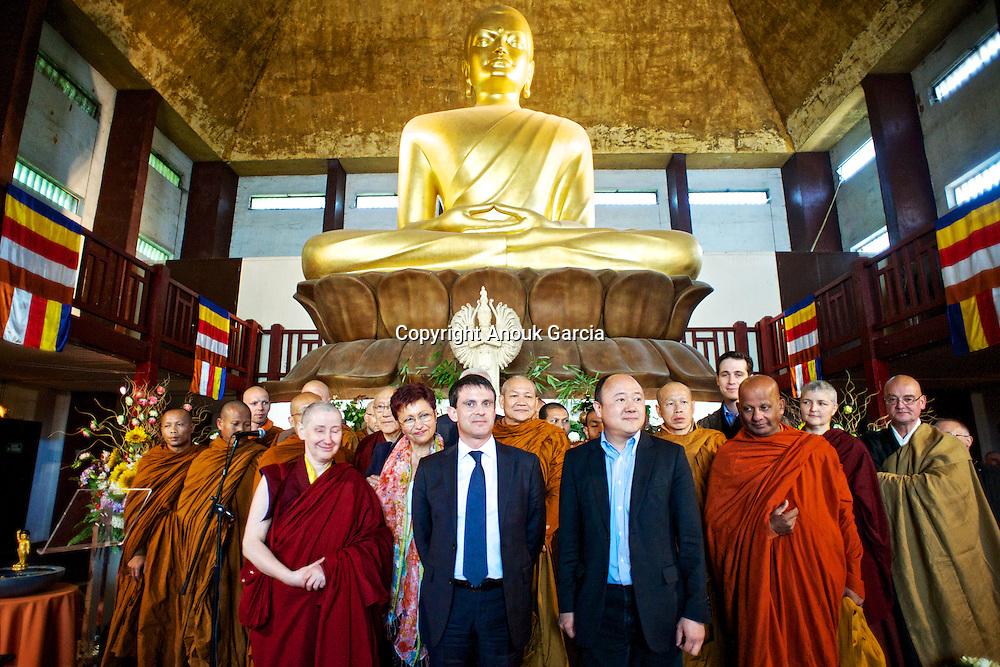Bouddhisme, Luang Pu Nenkham Chattigo, Manuel Walls, Moine des forêts. Pagode de Vincennes Vesak 2013.