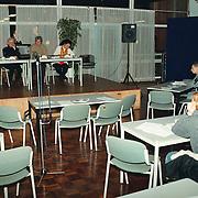 Infoavond Huizen 2000 in de Bun, een lege zaal