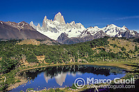CERRO CHALTEN O FITZ ROY Y LAGUNA CAPRI, PARQUE NACIONAL LOS GLACIARES, PATAGONIA, ARGENTINA
