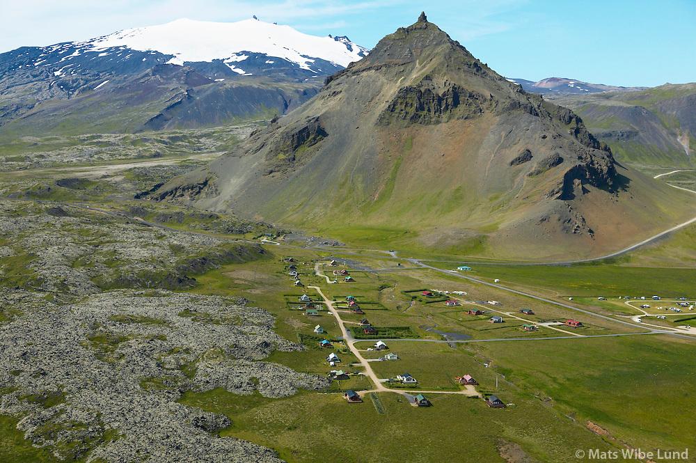 Arnarstapi, Stapafell og Snæfellsjökull, Snæfellsbær áður Breiðuvíkurhreppur séð til norðurs / Arnarstapi, mount Stapafell and Snaefellsjokull glacier viewing from south. Snaefellsbaer former Breiduvikurhreppur.