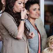 NLD/Amsterdam/20120604 - Vertrek Nederlands Elftal voor EK 2012,   Maddy Schoolderman en Gertrude Kuijt