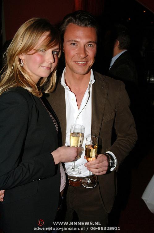 NLD/Amsterdam/20060404 - Presentatie nieuwe Samsung telefoon, Martijn Lusink en partner Jessica Kinsbergen