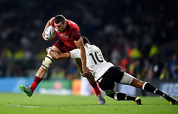 Jonny May of England takes on the Fiji defence - Mandatory byline: Patrick Khachfe/JMP - 07966 386802 - 18/09/2015 - RUGBY UNION - Twickenham Stadium - London, England - England v Fiji - Rugby World Cup 2015 Pool A.