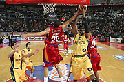 DESCRIZIONE : Roma Lega A1 2008-09 Lottomatica Virtus Roma Premiata Montegranaro<br /> GIOCATORE : Brandon Hunter Ibrahim Jaaber<br /> SQUADRA : Lottomatica Virtus Roma Premiata Montegranaro<br /> EVENTO : Campionato Lega A1 2008-2009<br /> GARA : Lottomatica Virtus Roma Premiata Montegranaro<br /> DATA : 28/12/2008<br /> CATEGORIA : Rimbalzo Stoppata<br /> SPORT : Pallacanestro <br /> AUTORE : Agenzia Ciamillo-Castoria/G.Ciamillo