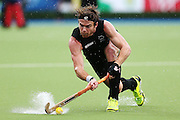 Andy Hayward of New Zealand in action during the bronze medal match between New Zealand and England. Glasgow 2014 Commonwealth Games. Hockey, Bronze Medal Match, Black Sticks Men v England, Glasgow Green Hockey Centre, Glasgow, Scotland. Sunday 3 August 2014. Photo: Anthony Au-Yeung / photosport.co.nz