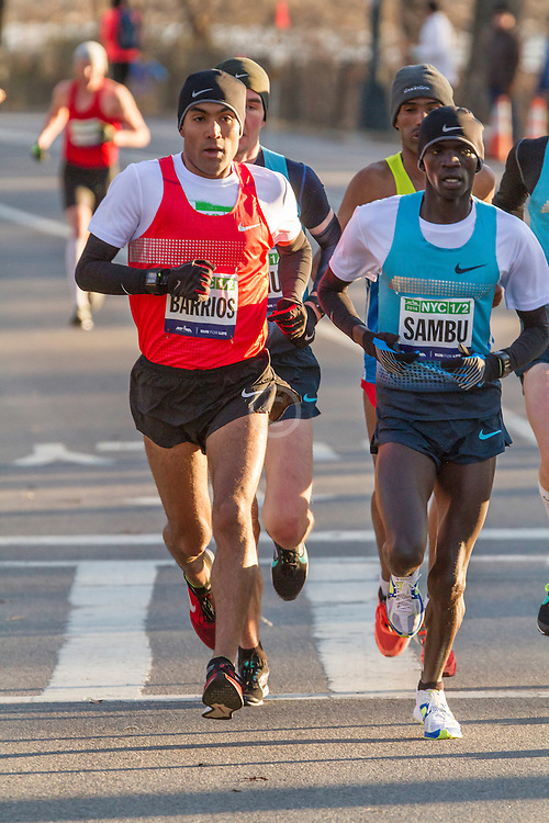 lead pack of elite men in Central Park, Barrios, Sambu
