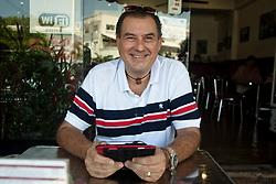 """Roberto fa il broker e consulente per gl;i italiani che vogliono """"mollare tutto"""" e andare a vivere a Playa del Carmen, Tulum o Cancun. Lui si occupa di trovare case, lavori e servizi."""