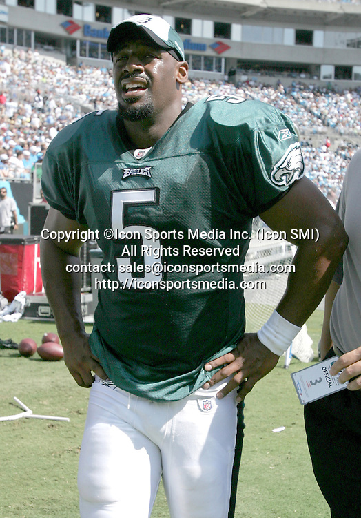 September 13, 2009:    Philadelphia Eagles quarterback Donovan McNabb #5 is taken off the field after being injured. The Philadelphia Eagles defeated the Carolina Panthers 38-10 at Bank of America Stadium in Charlotte, North Carolina<br /> <br /> ****NO AGENTS----NORTH AND SOUTH AMERICA SALES ONLY----NO AGENTS----NORTH AND SOUTH AMERICA SALES ONLY****