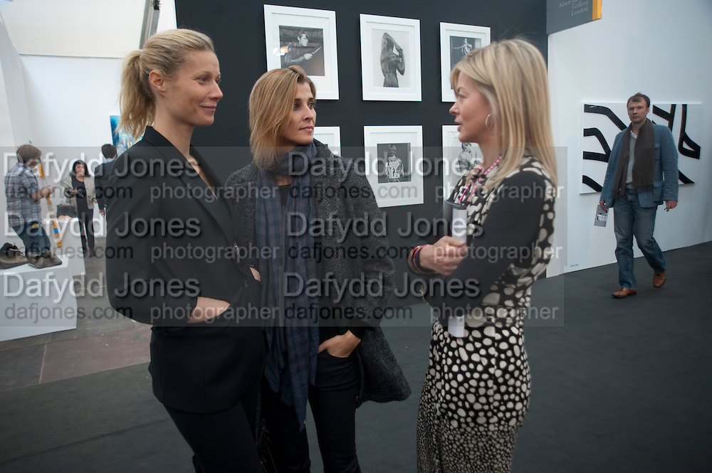 GWYNETH PALTROW; Rosario Saxe Coburg; LADY HELEN TAYLOR, Opening of Frieze 2009. Regent's Park. London. 14 October 2009