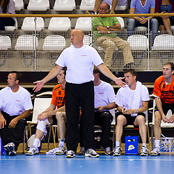 02-06-2011 HANDBAL: BEKERFINALE HURRY UP - O EN E: ALMERE<br /> Coach Joop Fiege<br /> ©2011-FotoHoogendoorn.nl / Peter Schalk