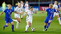 Fotball , 23. janaur 2018 , privatkamp kvinner , Norge - Island<br /> Norway - Iceland<br /> Guro Reiten  , Norge <br /> Gunnhildur Jonsdottir , Island 5<br /> Svava Ros Gudmundsdottir , Island 7