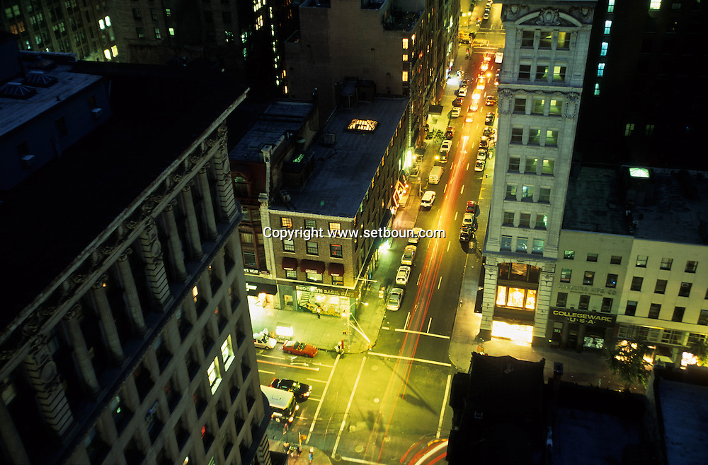 New York. elevated view on Midtown at night.  /  Midtown la nuit New york -