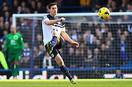 Gareth Barry of Everton during the Barclays Premier League match at Stamford Bridge, London<br /> Picture by David Horn/Focus Images Ltd +44 7545 970036<br /> 22/02/2014