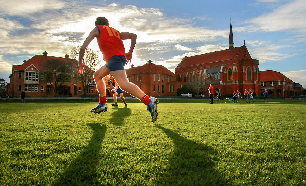 Scotch College football team in training for the 150th aniversary match of the first every game of Australian rules football  between Scotch and Melbourne Grammar  Pic By Craig Sillitoe  31/07/2008 SPECIALX 000..150th anniversary match Scotch College and Melbourne Grammar This photograph can be used for non commercial uses with attribution. Credit: Craig Sillitoe Photography / http://www.csillitoe.com<br />