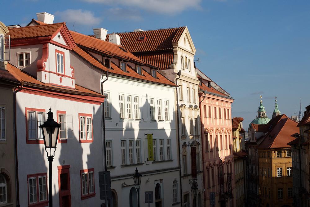 31/Enero/2008 República Checa. Praga.Fachadas de edificios en la Calle Uvoz en el barrio de Mala Strana..©JOAN COSTA