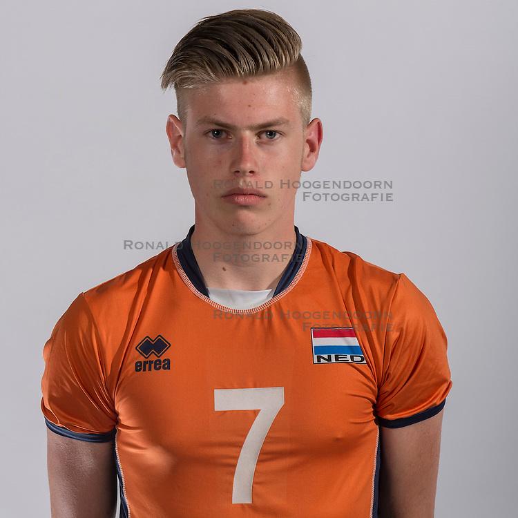 07-06-2016 NED: Jeugd Oranje jongens <1999, Arnhem<br /> Photoshoot met de jongens uit jeugd Oranje die na 1 januari 1999 geboren zijn / Bennie Tuinstra jr. PL