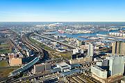Nederland, Noord-Holland, Amsterdam, 11-12-2013; Station Sloterdijk - Telepoort en omgeving. Hemboog (met overkapping) buigt af richting Zaandam, station Sloterdijk aan het Orlyplein. Rechts in beeld de Westdrandweg A5 (op kolommmen).<br /> Railwaystation AMsterdam West with conncecting arches, new ringroad.<br /> luchtfoto (toeslag op standard tarieven);<br /> aerial photo (additional fee required);<br /> copyright foto/photo Siebe Swart