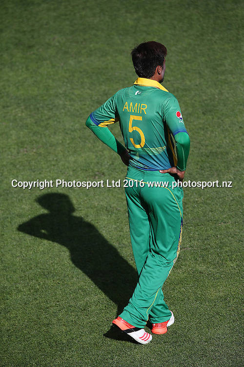 Mohammad Amir of Pakistan looks on. ANZ International Series, One Day International between New Zealand Back Caps and Pakistan at Eden Park in Auckland, New Zealand. 31 January 2016. Photo: Anthony Au-Yeung / www.photosport.nz