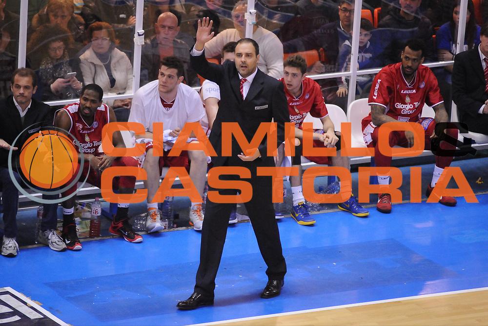 DESCRIZIONE : Brindisi  Lega A 2014-15 Enel Brindisi Giorgio Tesi Group Pistoia<br /> GIOCATORE : Moretti Paolo <br /> CATEGORIA : Allenatore Coach Mani <br /> SQUADRA : Giorgio Tesi Group Pistoia<br /> EVENTO : Enel Brindisi Giorgio Tesi Group Pistoia<br /> GARA :Enel Brindisi Giorgio Tesi Group Pistoia<br /> DATA : 04/04/2015<br /> SPORT : Pallacanestro<br /> AUTORE : Agenzia Ciamillo-Castoria/M.Longo<br /> Galleria : Lega Basket A 2014-2015<br /> Fotonotizia : <br /> Predefinita :