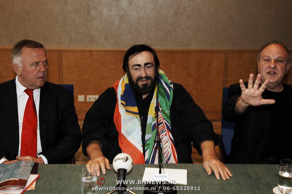 Persconferentie Luciano Pavarotti, Harry Mens