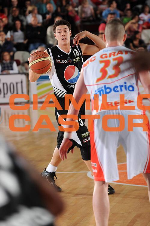 DESCRIZIONE : Varese Lega A 2009-10 Cimberio Varese Pepsi Caserta<br /> GIOCATORE : Fabio Di Bella<br /> SQUADRA : Pepsi Caserta<br /> EVENTO : Campionato Lega A 2009-2010 <br /> GARA :  Cimberio Varese Pepsi Caserta<br /> DATA : 25/04/2010<br /> CATEGORIA : Palleggio<br /> SPORT : Pallacanestro <br /> AUTORE : Agenzia Ciamillo-Castoria/A.Dealberto<br /> Galleria : Lega Basket A 2009-2010 <br /> Fotonotizia : Varese Campionato Italiano Lega A 2009-2010 Cimberio Varese Pepsi Caserta<br /> Predefinita :