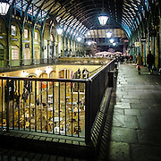 Locali nella galleria di Covent Garden<br /> <br /> Bars and restaurants in the gallery of Govent Garden