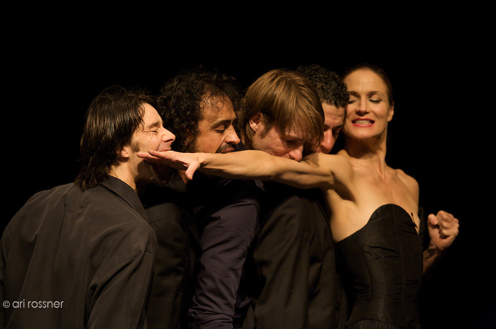 First representation of the company in Paris after Pina Bausch's death&lt;br&gt;<br /> Rainer Behr, Jorge Puerta Armenta, Michael Strecker, Fernando Suels Mendoza, Julie Anne Stanzak