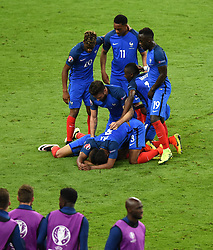 Dimitri Payet of France celebrates scoring the wining goal  - Mandatory by-line: Joe Meredith/JMP - 10/06/2016 - FOOTBALL - Stade de France - Paris, France - France v Romania - UEFA European Championship Group A