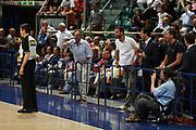 DESCRIZIONE : Bologna Lega A1 2006-07 Climamio Fortitudo Bologna Benetton Treviso <br /> GIOCATORE : Arbitro Sabetta Insultato dai Tifosi<br /> SQUADRA : <br /> EVENTO : Campionato Lega A1 2006-2007 <br /> GARA : Climamio Fortitudo Bologna Benetton Treviso <br /> DATA : 25/04/2007 <br /> CATEGORIA : Arbitro Curiosita<br /> SPORT : Pallacanestro <br /> AUTORE : Agenzia Ciamillo-Castoria/M.Marchi