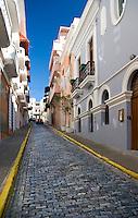 Narrow street or callejón