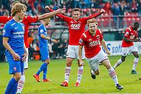 ALKMAAR - 04-10-2015, AZ - FC Twente, AFAS Stadion, 3-1, AZ speler Guus Hupperts juicht nadat hij de3-0 heeft gescoord, juichen.