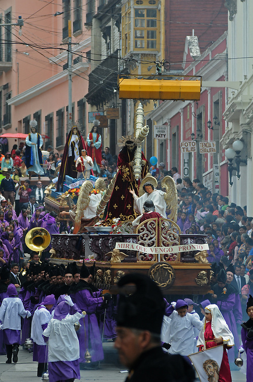 "Apr 22, 2011 - Quetzaltenago, Guatemala - Semana Santa or Holy Week continued in Quetzaltenago with the ""Procession to the Cathedral"" Resident of the second largest city in Guatemala lined the streets of the Procession route leading into the Central Park..(Credit Image: © Josh Bachman/ZUMA Press)"