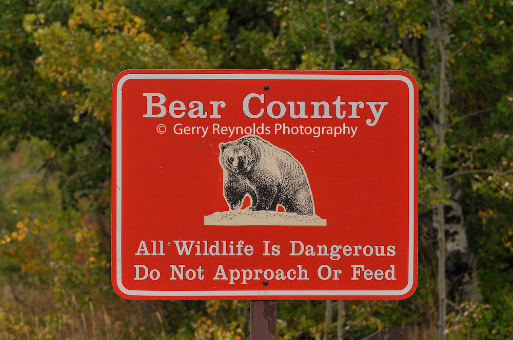 Sign, Warning Sign, Grizzly Bear Warning Sign, Glacier National Park, Montana