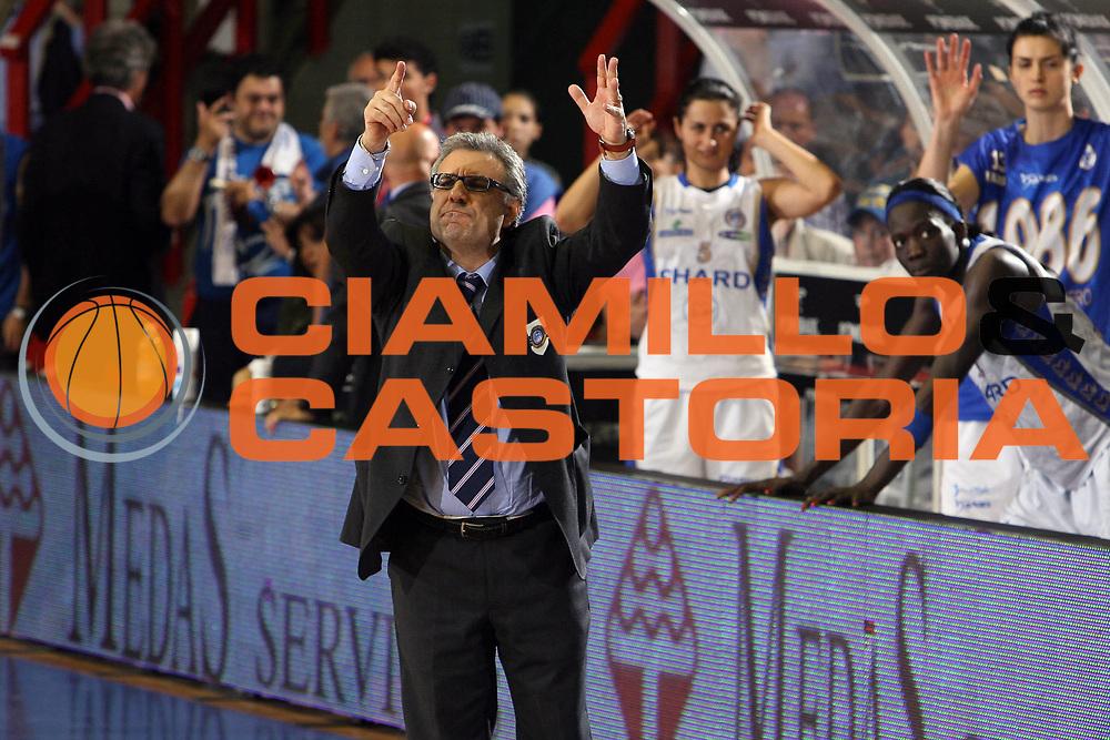 DESCRIZIONE : Napoli Lega A1 Femminile 2006-07 Finale Scudetto Gara 4 Phard Napoli Germano Zama Faenza<br /> GIOCATORE : Nino Molino<br /> SQUADRA : Phard Napoli<br /> EVENTO : Campionato Lega A1 Femminile Finale Scudetto Gara 4 2006-2007 <br /> GARA : Phard Napoli Germano Zama Faenza<br /> DATA : 16/05/2007 <br /> CATEGORIA :<br /> SPORT : Pallacanestro <br /> AUTORE : Agenzia Ciamillo-Castoria/E.Castoria