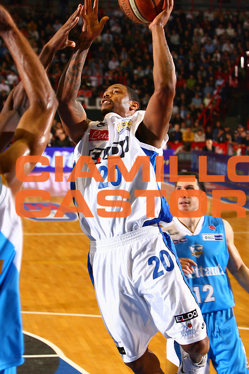 DESCRIZIONE : Napoli Lega A1 2006-07 Eldo Napoli Tisettanta Cant&ugrave; <br /> GIOCATORE : Trepagnier<br /> SQUADRA : Eldo Napoli<br /> EVENTO : Campionato Lega A1 2006-2007 <br /> GARA : Eldo Napoli Tisettanta Cant&ugrave;<br /> DATA : 21/01/2007 <br /> CATEGORIA : Tiro<br /> SPORT : Pallacanestro <br /> AUTORE : Agenzia Ciamillo-Castoria/E.Castoria<br /> Galleria : Lega Basket A1 2006-2007 <br /> Fotonotizia : Napoli Campionato Italiano Lega A1 2006-2007 Eldo Napoli Tisettanta Cant&ugrave;<br /> Predefinita :