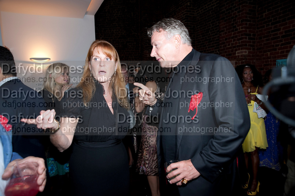 SARAH THE DUCHESS OF YORK; THOMAS KRAMER, , The launch party for Elephant Parade hosted at the house of  Jan Mol. Covent Garden. London. 23 June 2009.
